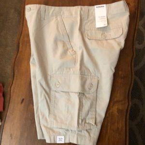 New Men's Sonoma Classic Cargo shorts.